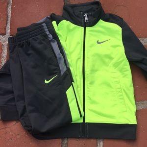 Boys Nike Size 7